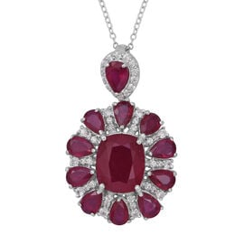 14.78 Ct African Ruby and Cambodian Zircon Floral Pendant with Chain in Sterling Silver 5.45 Gms
