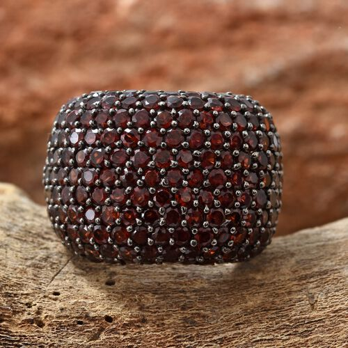 Limited Edition- Mozambique Garnet Pave Setting Cocktail Ring in Platinum Overlay Sterling Silver 8.000 Ct, Silver wt 10.05 Gms, Number of Gemstone 163.