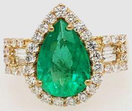 ILIANA 18K Yellow Gold AAA Boyaca Colombian Emerald and Diamond (G-H/S-I) Ring 4.10 Ct, Gold wt 7.37