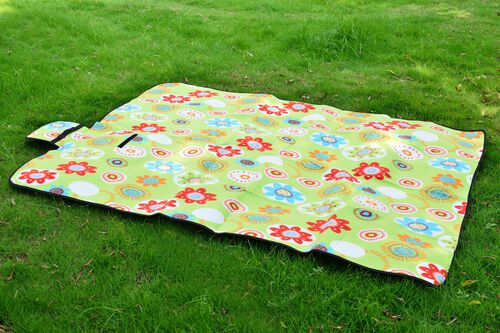 EXTRA LARGE Green, Red and Multi Colour Floral Pattern Picnic Blanket (Size 195X140 Cm)