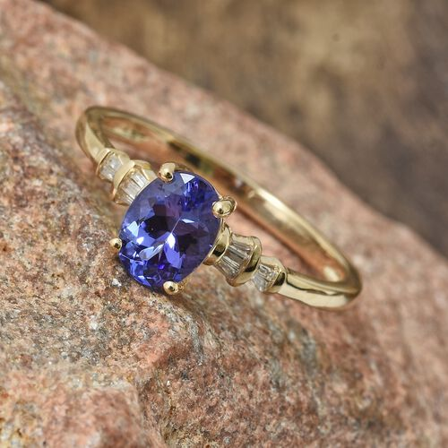 1.10 Ct Tanzanite and Diamond Ring in 9K Gold