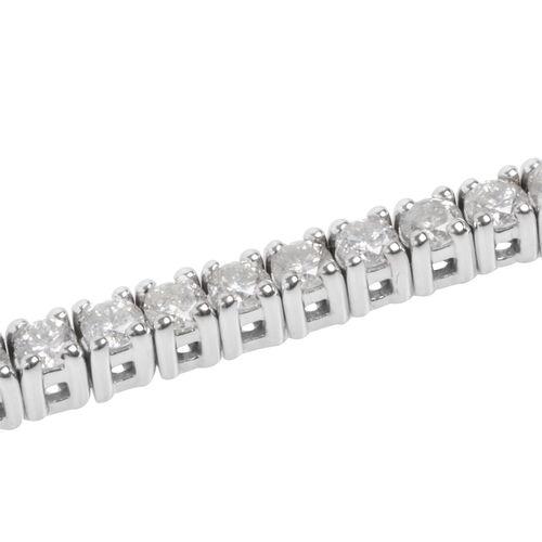 New York Close Out 14K White Gold Diamond (Rnd) (I2/G-H) Bracelet (Size 7.25) 5.000 Ct, Gold wt 13.00 Gms.