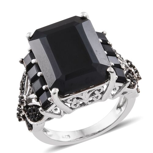 Boi Ploi Black Spinel (Oct 16.400 Ct) Ring in Platinum Overlay Sterling Silver 18.500 Ct.