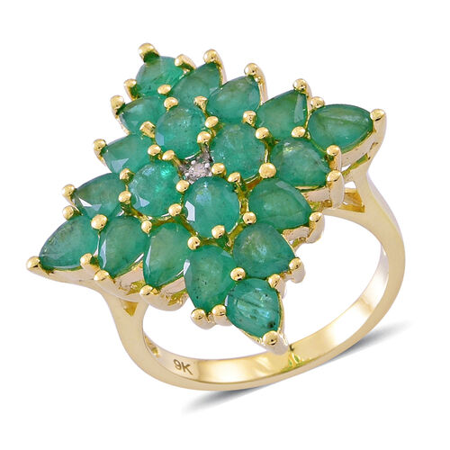 Limited Edition- 9K Yellow Gold AAA Kagem Zambian Emerald (Ovl), Diamond Ring 6.000 Ct. Gold Wt 7.00 Grams