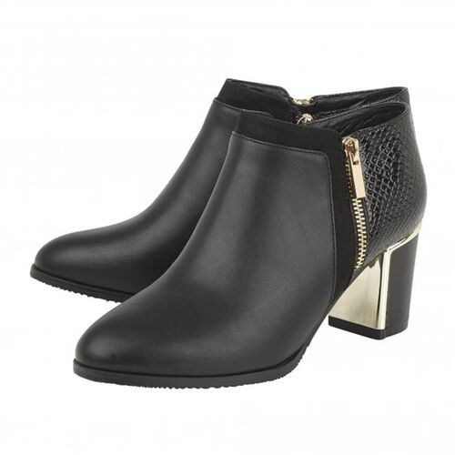 Lotus Chloe Black Faux Fur Lined Ankle Boots with Snake Skin Pattern and Zipper Closure (Size 7)