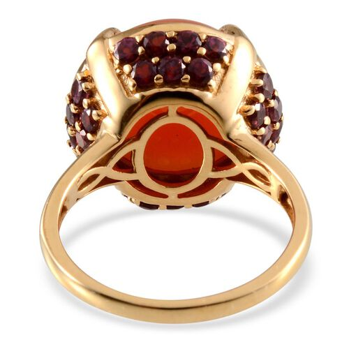 Mitiyagoda Peach Moonstone (Rnd 13.25 Ct), Rhodolite Garnet Ring in Yellow Gold Overlay Sterling Silver 15.75 Ct.