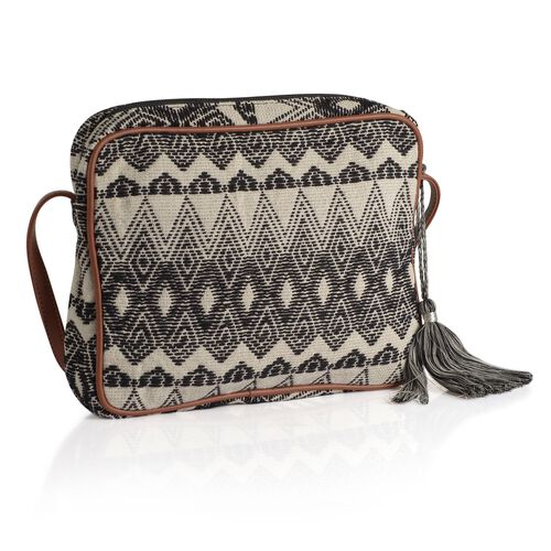 Black and White Colour Crossbody Bag (Size 28x22x4.5 Cm)