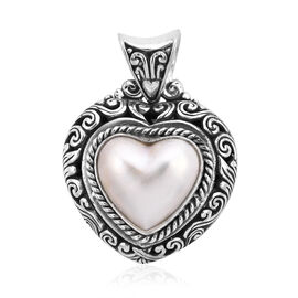 Royal Bali Collection White Mabe Pearl Heart Pendant in Sterling Silver 6.99 Grams