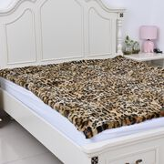 Luxury Edition Super Soft Reversible Faux Fur Mink Leopard Pattern Blanket (Size 200x150 cm)