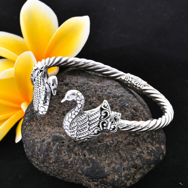 Royal Bali Collection- Sterling Silver Swan Bangle (Size 7.25), Silver wt, 30.00 Gms