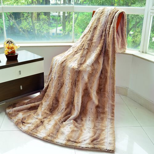 Supersoft 460 GSM Faux Fur Blanket in Beige Tones with Matching Colour Sherpa Reverse (Size 150x200 cm)