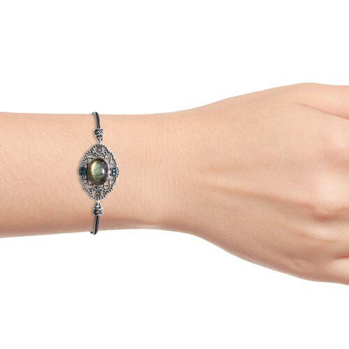 Artisan Crafted Labradorite (Ovl), Electric Blue Topaz Bracelet (Size 8) in Sterling Silver 11.43 Ct, Silver wt 13.51 Gms.