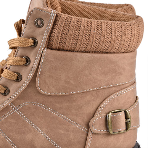 DOD - Khaki Knitted Collar Hiker Boots (Size 4)