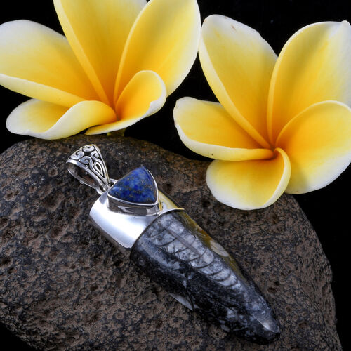 Royal Bali Collection Orthoceras and Lapis Lazuli Pendant in Sterling Silver 55.000 Ct.