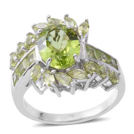 5.22 Ct Hebei Peridot Floral Ring in Rhodium Plated Sterling Silver 4.70 Grams