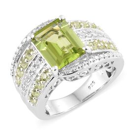 Rare Size Hebei Peridot (Oct 10x8mm) and Natural White Cambodian Zircon Cluster Ring in Platinum Overlay Sterling Silver 4.000 Ct, Silver wt 6.85 Gms.