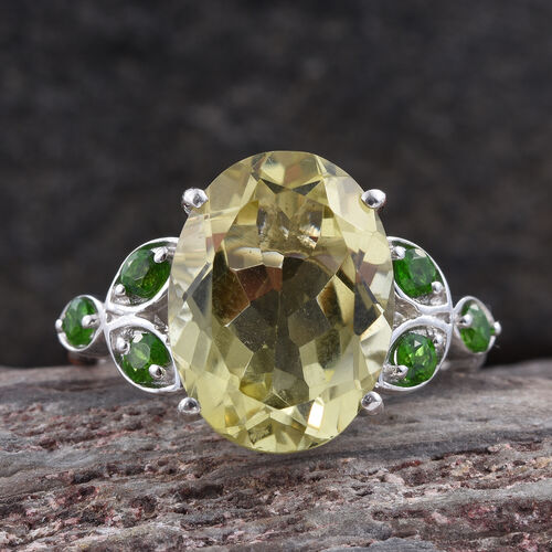 Natural Green Gold Quartz (Ovl 8.00 Ct), Russian Diopside Ring in Platinum Overlay Sterling Silver 8.500 Ct.