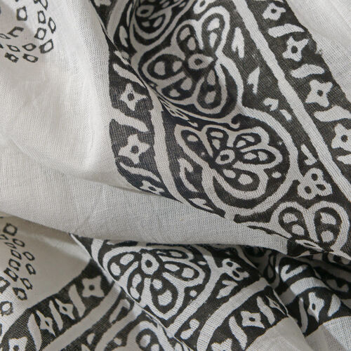 Black and White Colour Block Print Scarf (Size 180x115 Cm) with Hematite Beads Stretcheble Bracelet (Size 7.5)
