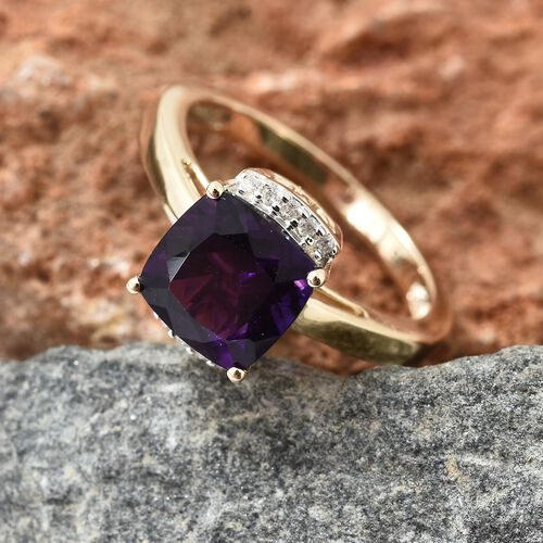 9K Yellow Gold AA Lusaka Amethyst (Cush 2.00 Ct), Diamond Ring  2.050 Ct.