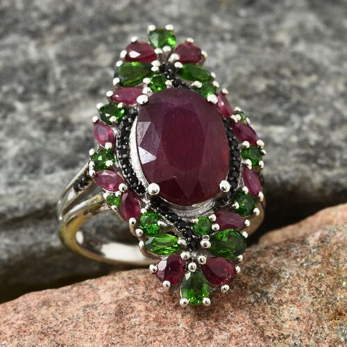 Limited Edition and Designer Inspired- Rare African Ruby (Size Ovl 14X10 8.20 Ct), Russian Diopside and Black Spinel Ring in Platinum Overlay Sterling Silver 12.000 Ct. Silver wt 6.65 Gms.