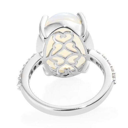 RHAPSODY 950 Platinum AAAA Ethiopian Welo Opal (Ovl 6.75 Ct), Diamond Ring 7.000 Ct, Platinum wt 6.15 Gms.