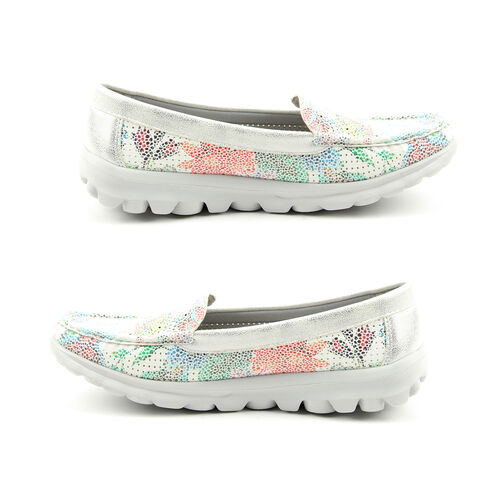 Heavenly Feet Sunflower Slip On Loafer in White and Silver (Size 8)