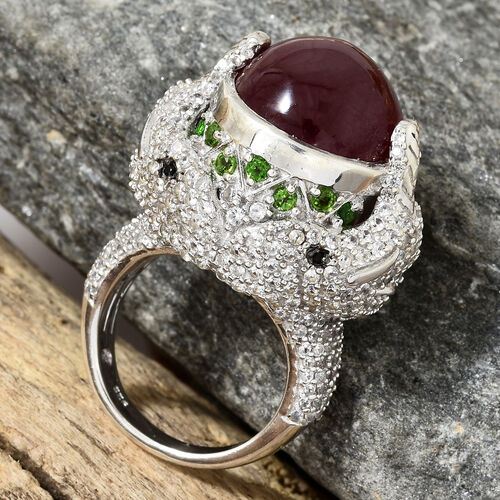 Designer Inspired- African Ruby (Ovl 20.60 Ct), Russian Diopside, Natural White Cambodian Zircon Ring in Platinum Overlay Sterling Silver 25.000 Ct, Silver wt 13.62 Gms.