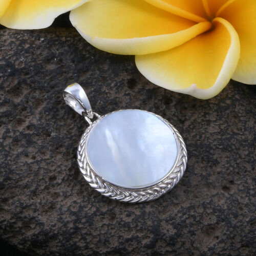 Royal Bali Collection - Mother of Pearl (Rnd) Pendant in Sterling Silver