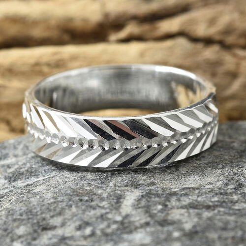 Designer Inspired Sterling Silver Diamond Cut Band Ring.