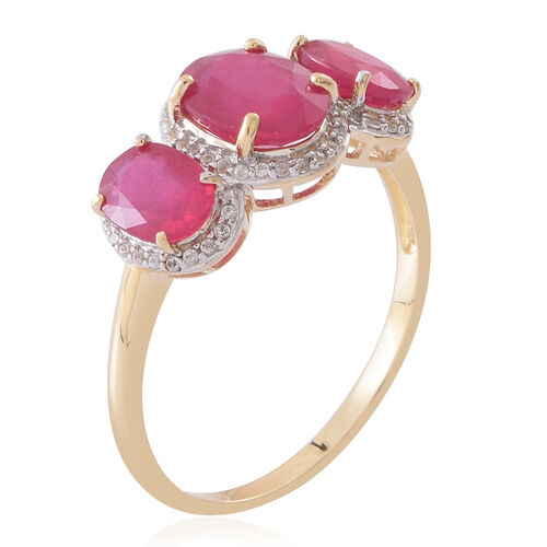 9K Yellow Gold AAA African Ruby (Ovl 2.25 Ct), Natural White Cambodian Zircon Ring 5.150 Ct.