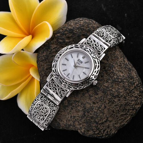 Diamond Studded, 3 Atmospheres, Royal Bali Collection EON 1962 Swiss Movement Sterling Silver Bracelet Watch (Size 6.5), Silver wt 28.00 Gms