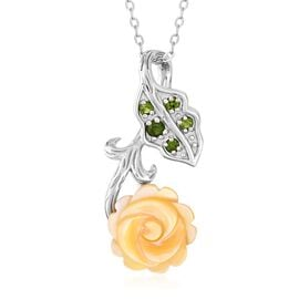 Yellow Mother of Pearl (2.25 Ct),Russian Diopside Sterling Silver Pendant With Chain  2.340  Ct.