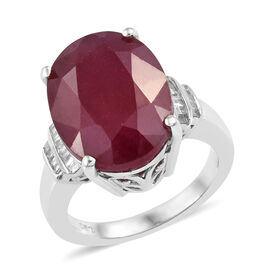 African Ruby (Ovl 14.00 Ct), Diamond Ring in Platinum Overlay Sterling Silver 14.150 Ct. Silver Wt. 5.64 Gms