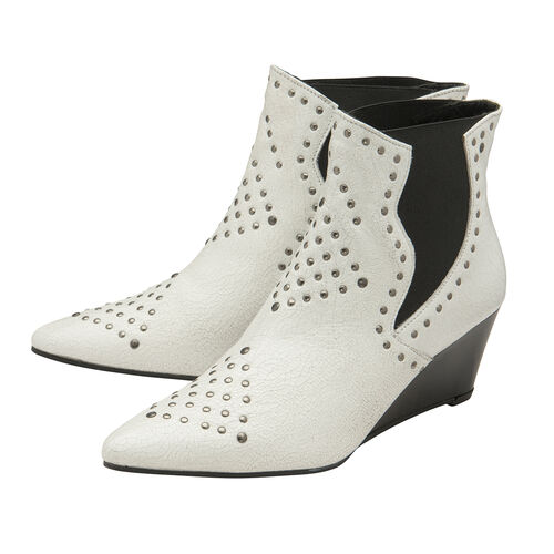 Ravel White Reefton Leather Wedge Ankle Boots (Size 6)