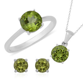 3 Piece Set - Hebei Peridot (Rnd) Solitaire Pendant with Chain, Ring and Stud Earrings (with Push Po