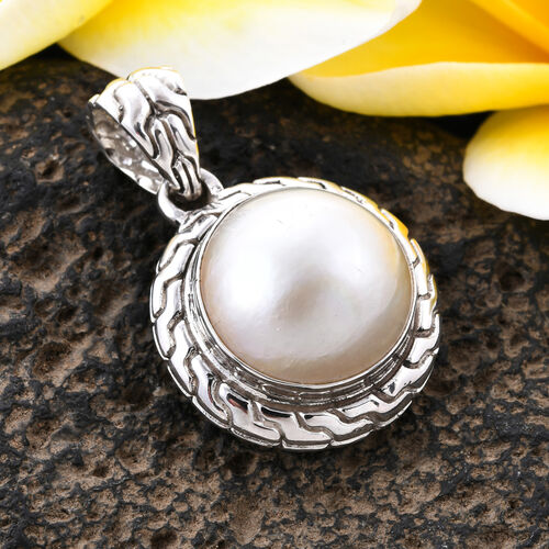 Royal Bali Collection - White Mabe Pearl Pendant in Sterling Silver, Silver wt 5.99 Gms