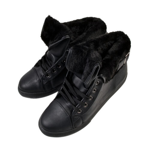 Womens Flat Faux Fur Lined Grip Sole Winter Ankle Boots (Size 7) - Black