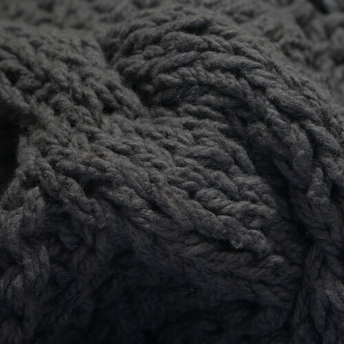 Cable Knit Pattern Dark Grey Colour Plaid