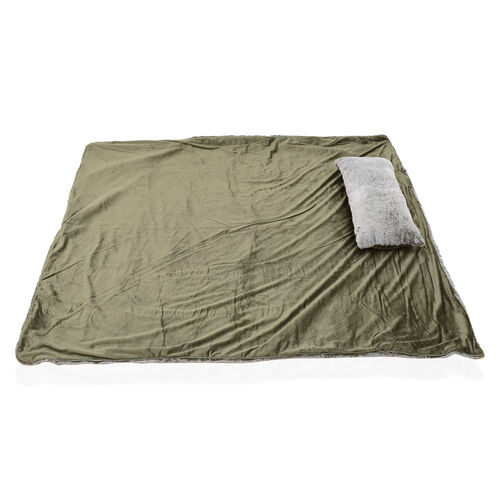 Sumptuous Faux Fur Quilted Sleeping Bag Fully Lined and With Detachable Pillow (Size 178x76 cm) Green