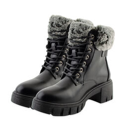 DOD - Black Fur Collar Cleated Hiker Boots (Size 7)