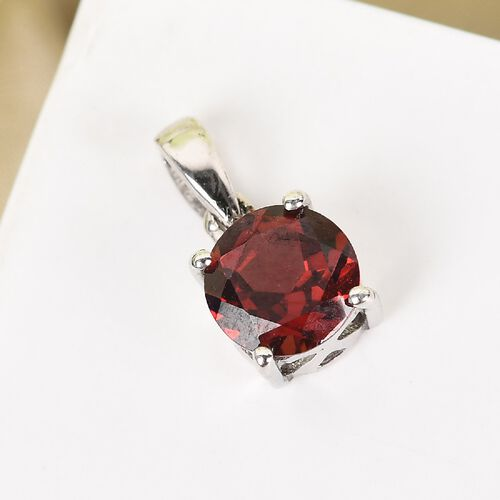 Red Garnet Pendant in Platinum Overlay Sterling Silver 0.94 ct  0.935  Ct.