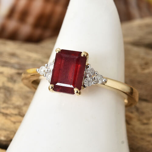 9K Yellow Gold African Ruby (Oct 1.50 Ct), Diamond Ring 1.600 Ct.