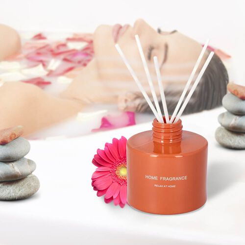 The 5th Season - Gift Box Set of Scented Candle and Diffuser - Orange (Fragrance Diffuser: Chance & Candle: Bathed in Wind)