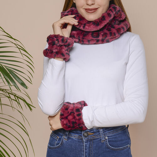 2 Piece Set - Leopard Skin Pattern Faux Fur infinity Scarf (Size 32x24cm) and Hand Cuffs (Size 9.5x1