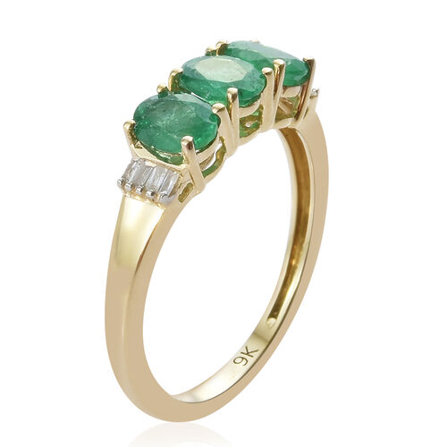 Signature Collection - 9K Yellow Gold AAA Kagem Zambian Emerald (Ovl), Diamond Ring 1.030 Ct.