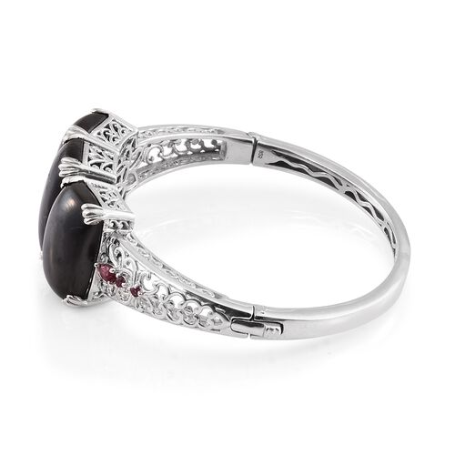 Shungite (Cush 15.25 Ct), Rhodolite Garnet Bangle (Size 7.5) in Platinum Overlay Sterling Silver 43.750 Ct. Silver wt 28.00 Gms.