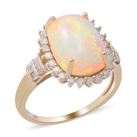 9K Yellow Gold Ethiopian Welo Opal (Cus 14x10 4.25 Cts) and Diamond Ring 4.65 Ct.