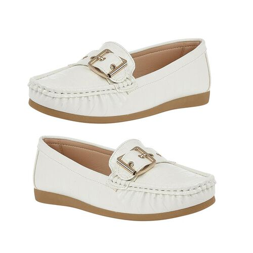 Lotus Cory Slip-On Loafers (Size 4) - White