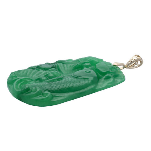 9K Yellow Gold Carved Green Jade Fish Pendant 110.00 Ct.