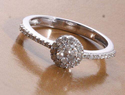 9K White Gold SGL Certified Diamond (I3/G-H) Cluster Ring 0.25 Ct.
